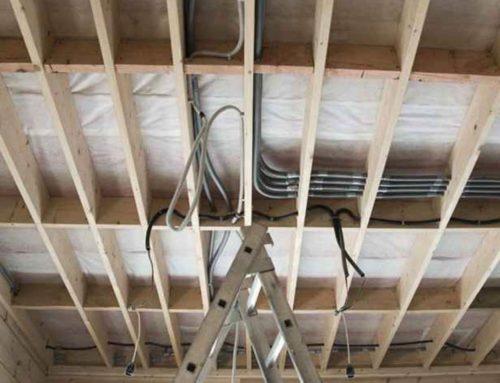 Прокладывание кабеля в деревянном доме – основные особенности