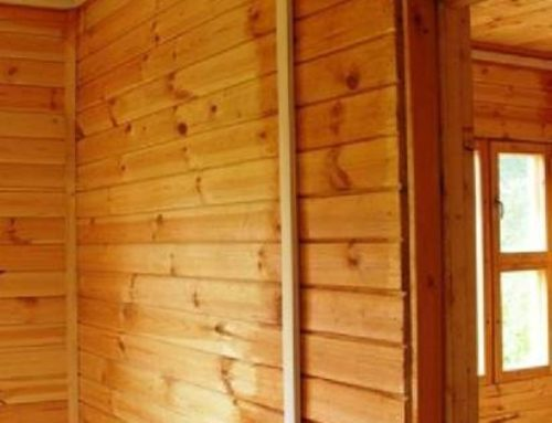 Как проводить проводку в деревянном доме?